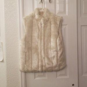 Faux fur zippered vest